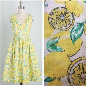 """{MODCLOTHxEVERLY} """"Ace the Zest"""" Lemon Print Dress"""